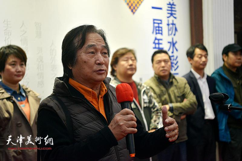 老一辈艺术家代表陈重武致辞。