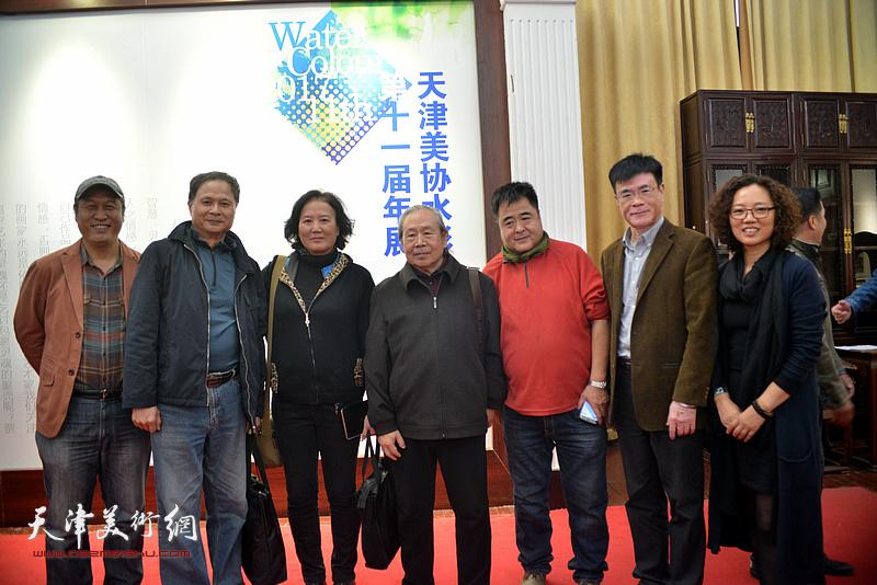 李宗儒、王刚、蒋长虹、乔雨林、王建新、陶香莲在画展现场