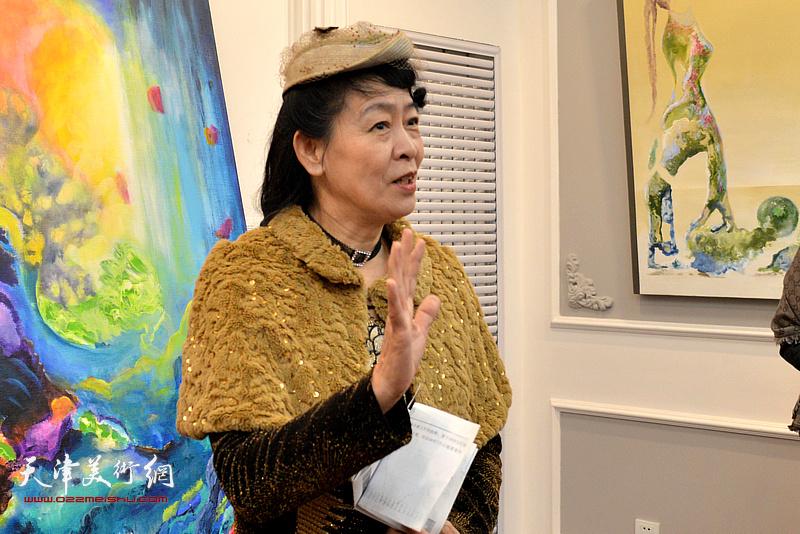 法国国际艺术家协会会长张凤娇女士致辞。