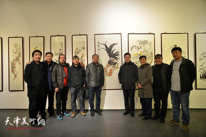 左起:翟洪涛、王连宏、齐东、张礼军、张永生、陈之海、王群英、刘忠荣、高文军在开幕仪式现场。