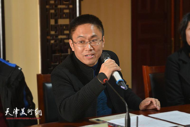 长岗村党支部书记曾志学发言。