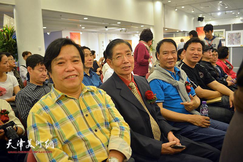 李耀春、柴寿武、马寒松、张福有在开幕仪式现场。
