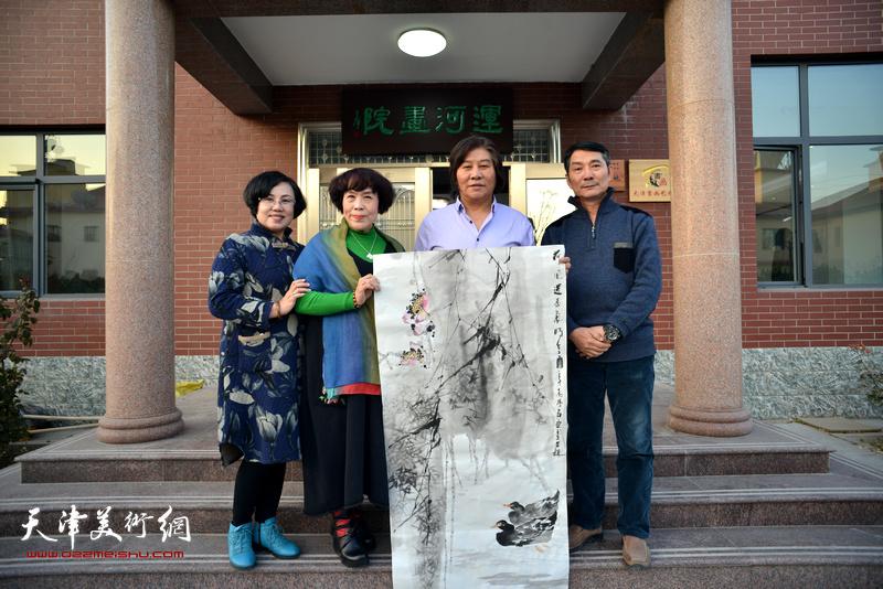 左起:王筠、史玉、高学年、孟宪奎在活动现场。