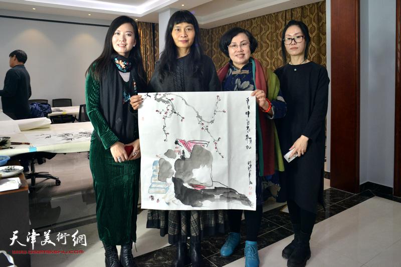 左起:康萍、杨晓君、王筠、杨悦在活动现场。