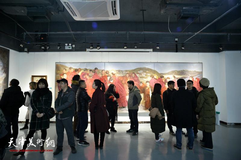 天津画院青年美术创作研究中心首批入选青年油画家作品展现场。