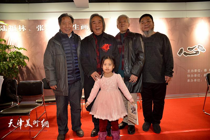 左起:曹春生、霍春阳、陆福林、张法东在画展现场。