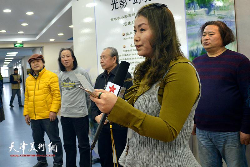 域龙珺玉文化黄丽莉宣读秋林颐和总经理曹凯贺词