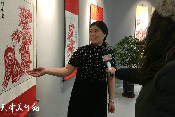 刘长会接受媒体采访