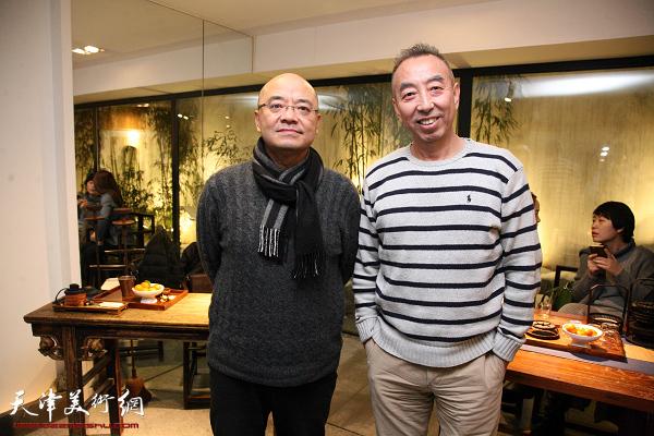 """于小冬现场开讲""""藏西艺术源流与古格风格的壁画""""。"""