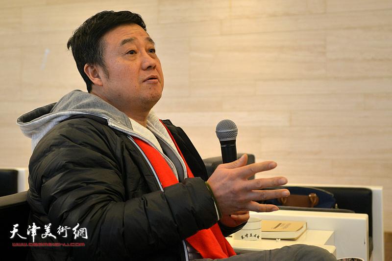 中国经济文化研究院研究员郑忠发言。