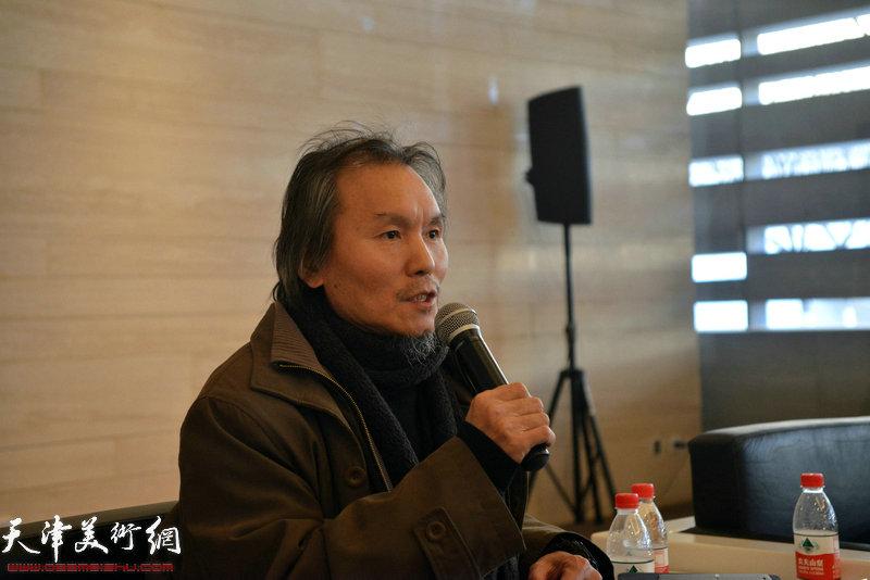 画展学术主持、天津美术学院教授郭雅希做总结发言。