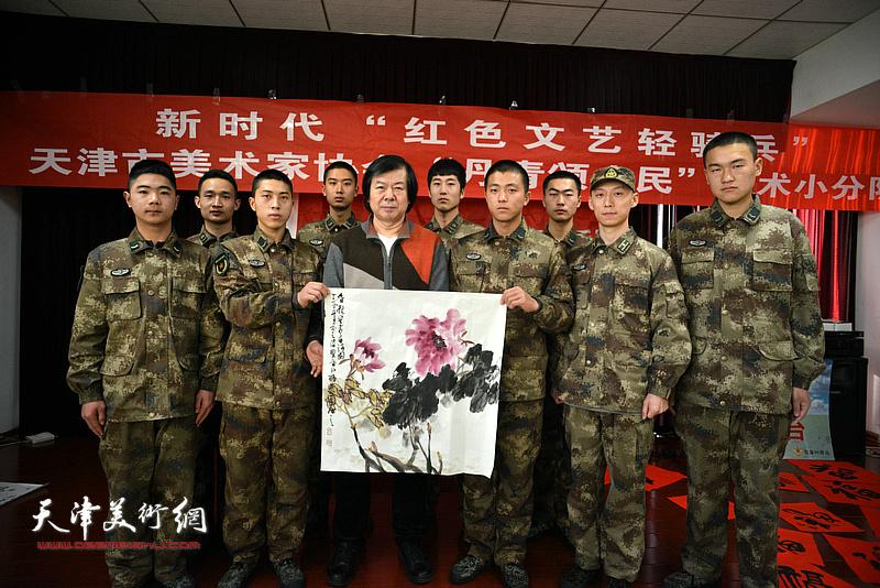 天津市美协艺术小分队走进军营