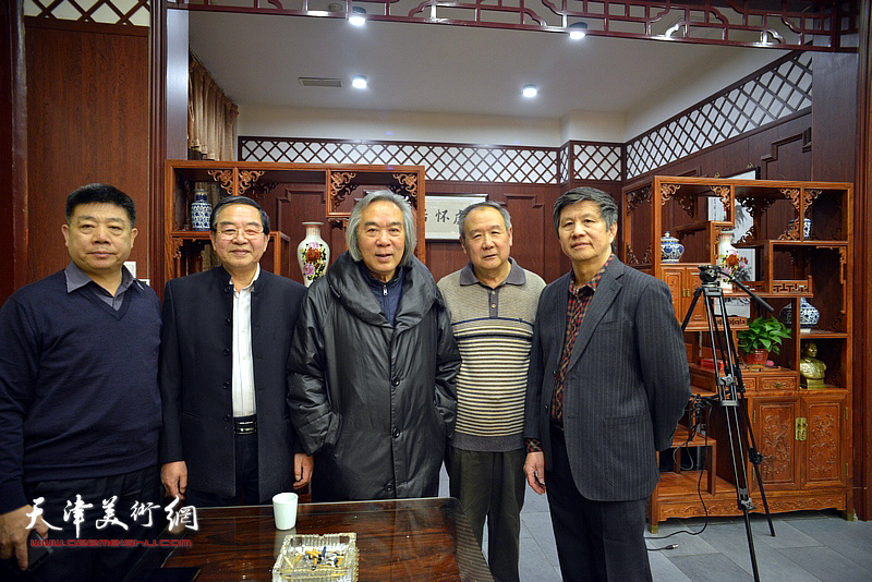 霍春阳、张长勇、张养峰、张晋、贾万庆在活动现场。