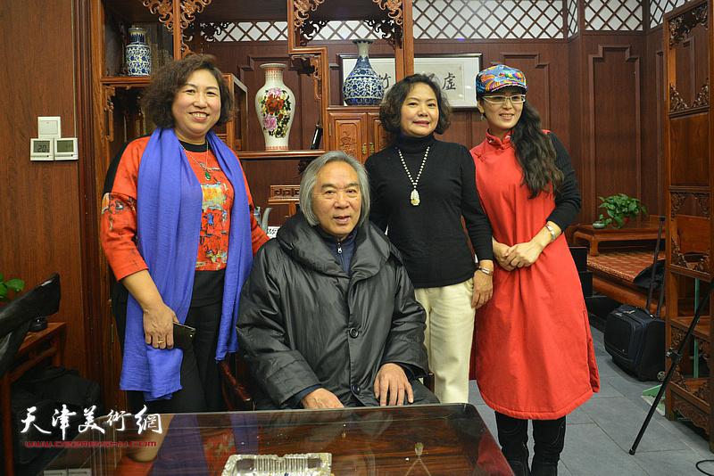 霍春阳、张秀霞、孙秀琴、李盟在活动现场。