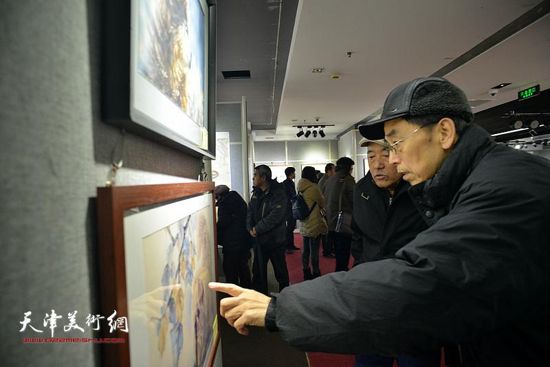 金犬纳福·中国第十一届生肖画及国画优秀作品展在天津市政协书画艺术馆开幕。