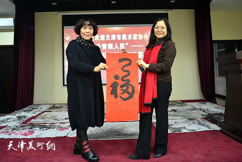 天津美协艺术小分队走进西青蔡台村