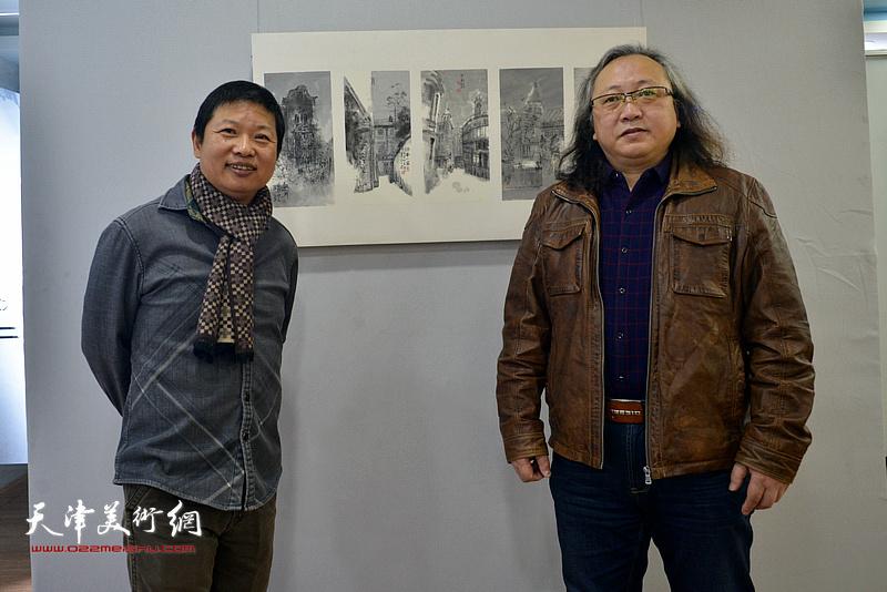 魏瑞江与天津市美术家协会水彩画专委会会长朱志刚在画展现场。