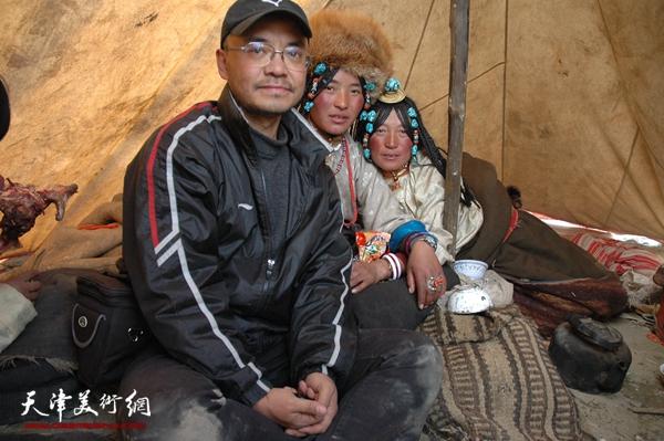于小冬和藏民在一起