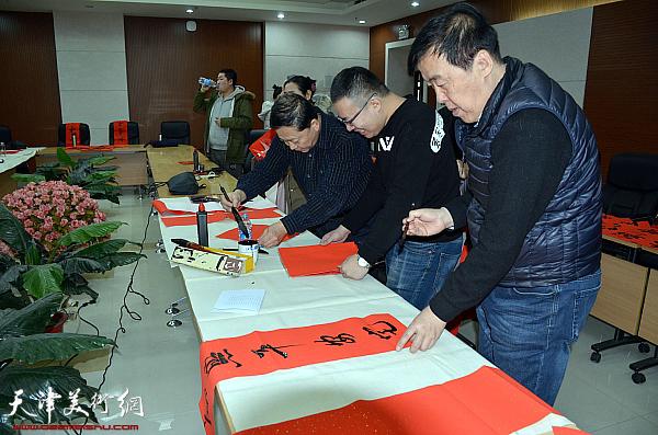 读好书写好字-书法家与读者在天津图书馆喜迎新春
