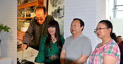萧朗小写意花鸟画展在梅江国际艺术馆开幕