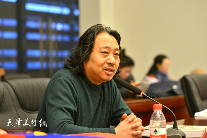 贾广健在孙其峰先生书画艺术学术研讨会现场。