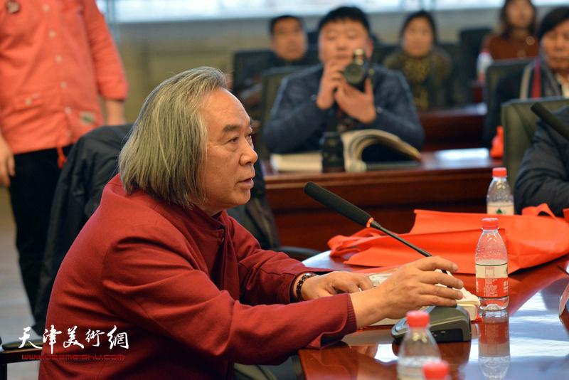 霍春阳在孙其峰先生书画艺术学术研讨会现场。