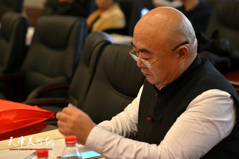 尹沧海在孙其峰先生书画艺术学术研讨会现场。