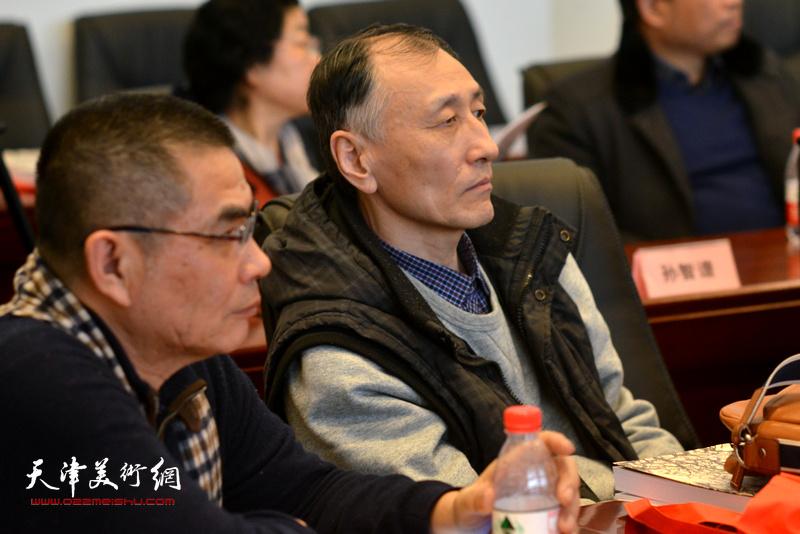 杨佩璋、韩昌力在孙其峰先生书画艺术学术研讨会现场。