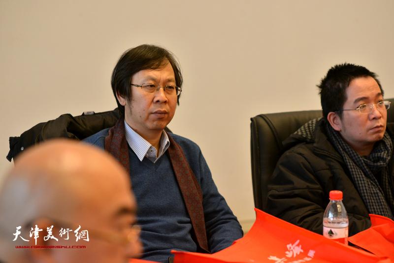 路洪明、邵亮在孙其峰先生书画艺术学术研讨会现场。
