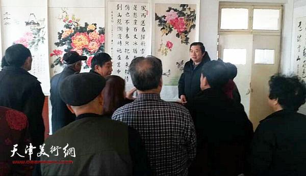 著名画家孙玉河到北辰青光镇社区书画艺术讲座。