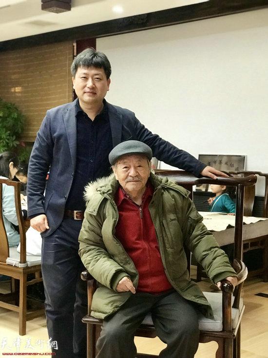 吴燃与水香洲书院讲师高文军。