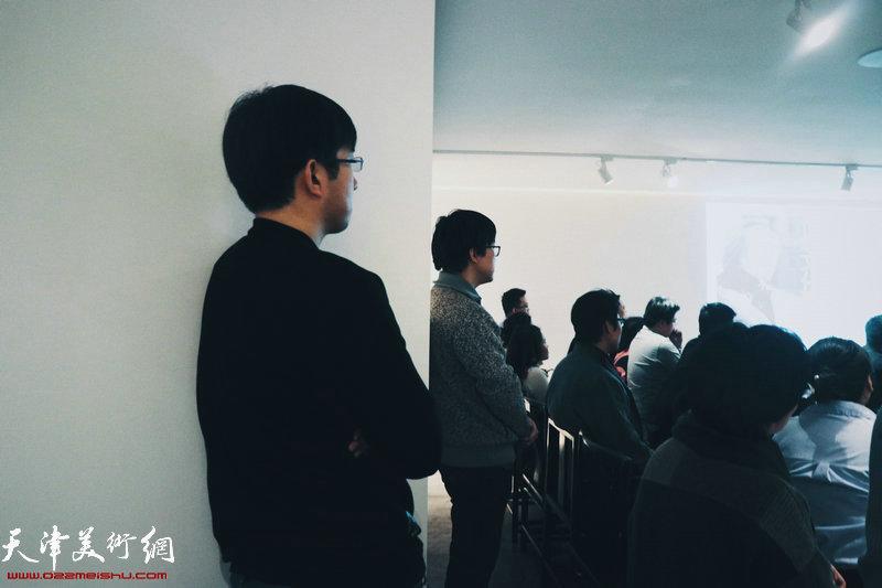 本次讲座吸引了不少年轻人前来聆听。