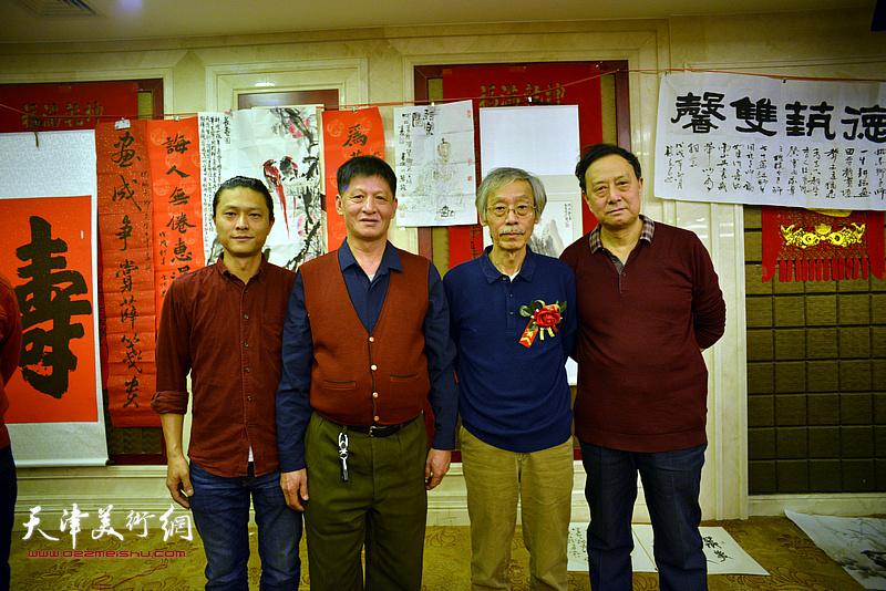 姚景卿与张玉明、谭庆维、姚铸在活动现场。