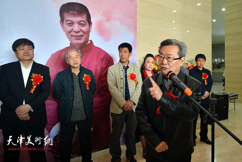 著名文化学者,原陕西省文联副主席肖云儒致辞。