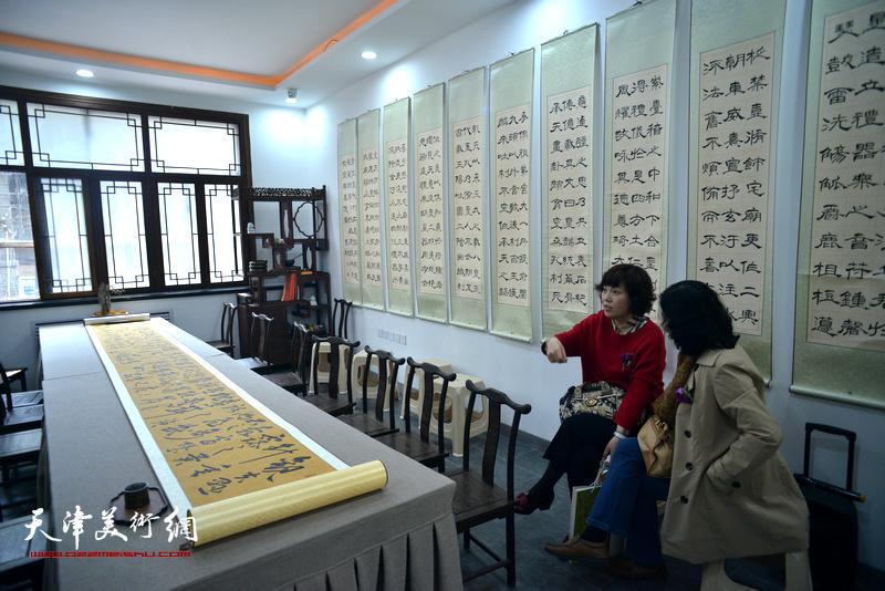 """""""观修文化鲁群先生个人精品书法展""""在重庆道观修堂举行。"""