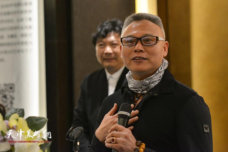 艺术家张俊国先生致辞。