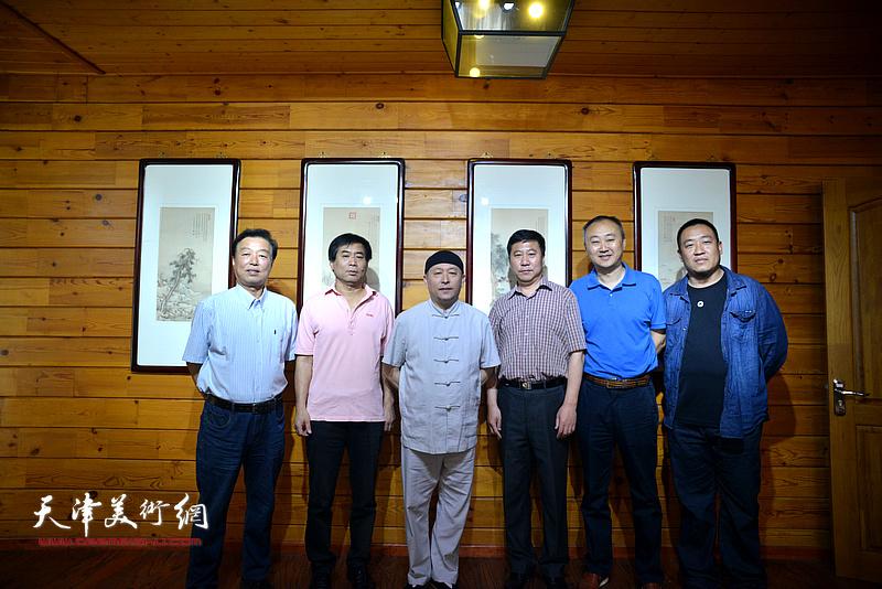 左起:杨建国、肖培金、缪文杰、姚新、柴博森、李文龙在品鉴活动现场。