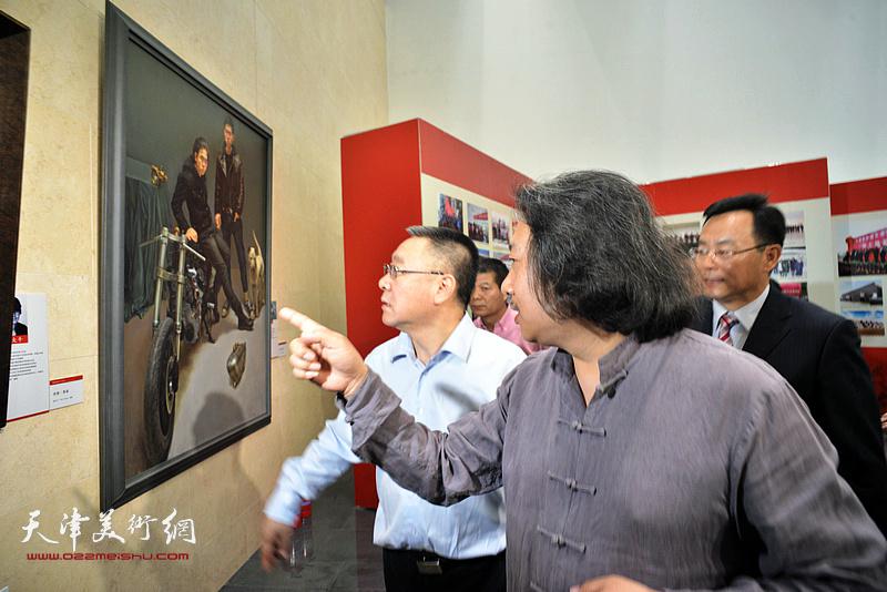 刘春雷、贾广健、张桂元参观天津画院美术作品观摩展