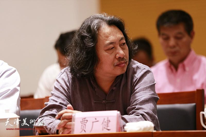 贾广健在座谈会上。