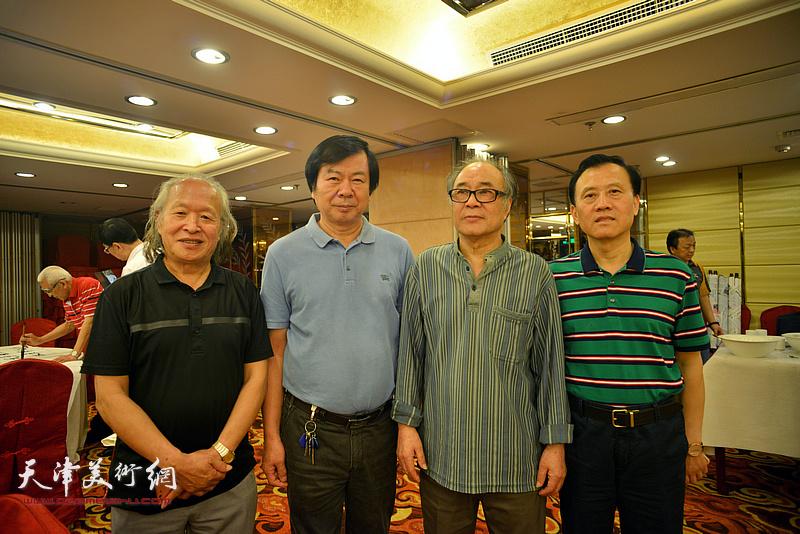 左起:刘家栋、史振岭、郭书仁、启福在活动现场。