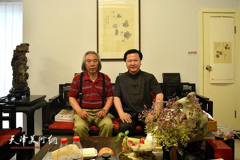 著名画家霍春阳与北京陈少梅艺术研究会常务副会长赵景宇先生在天津。