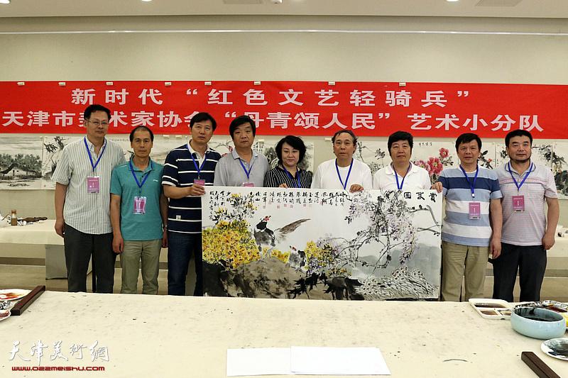 天津美协艺术小分队深入天津科技工作者之家