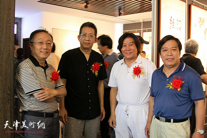 左起:何东、李毅峰、高学年、李耀春在活动现场。