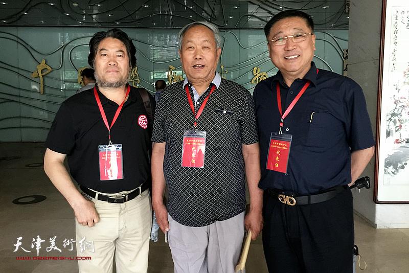 左起:朱彦民、唐云来、王宝忠在会议现场。