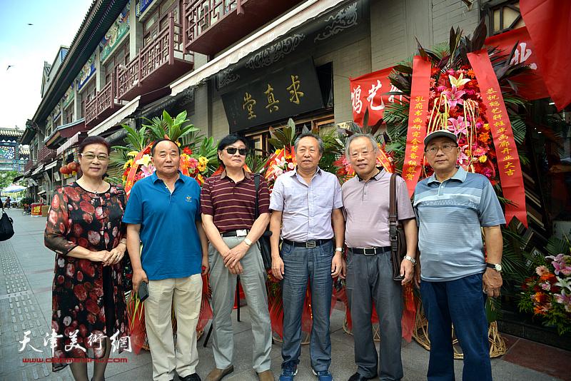 左起:王俊英、李建华、琚俊雄、刘国胜、王金厚、安长生在活动现场。