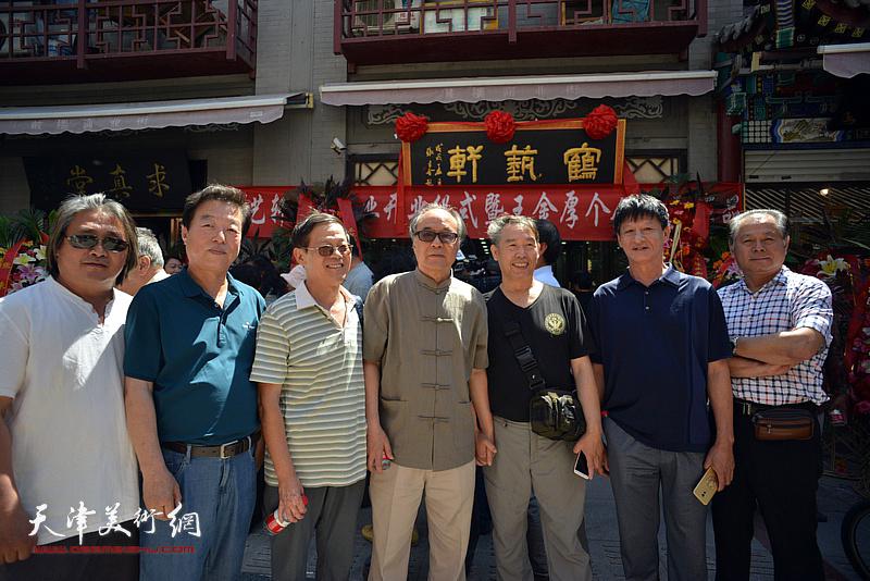 左起:孙富泉、杨建国、尚金声、郭书仁、温洪琪、谭庆维、刘士忠在活动现场。
