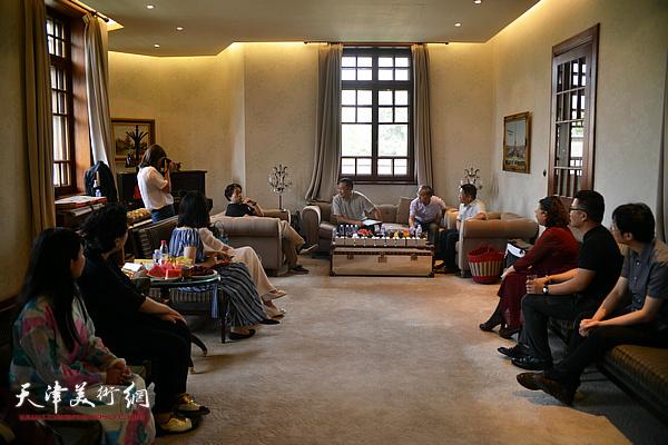天津市美学学会器物美学沙龙6月21日下午在庆王府举行。