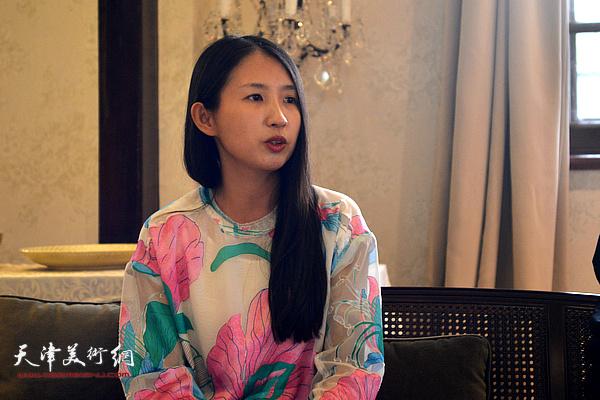 天津大学古陶瓷中心教师、艺术策展人洪叶女士发言。