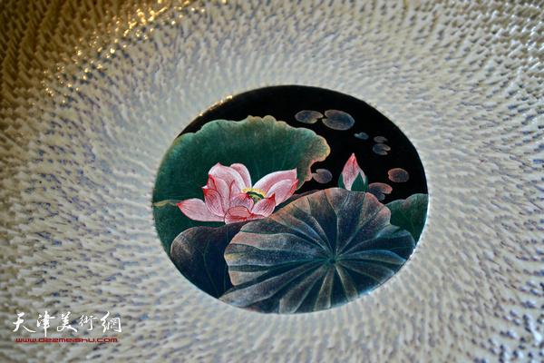 沙龙现场展示的陶艺艺术家郑勇先生寿州窑作品。