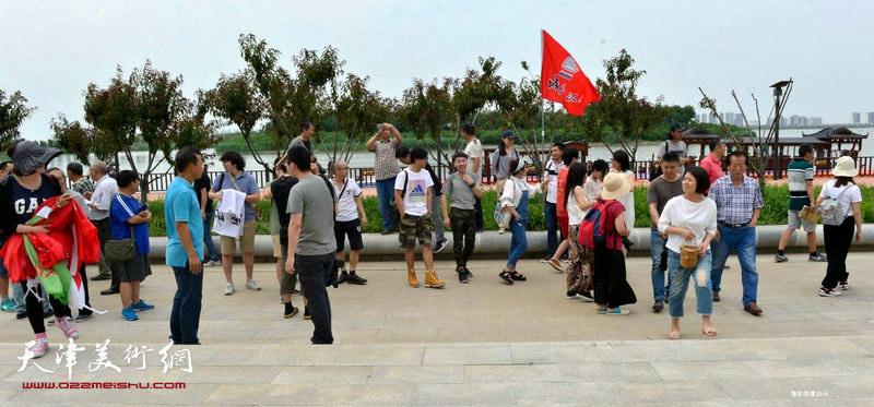 天津城市画派走进东丽采风活动走进东丽湖艺苑区